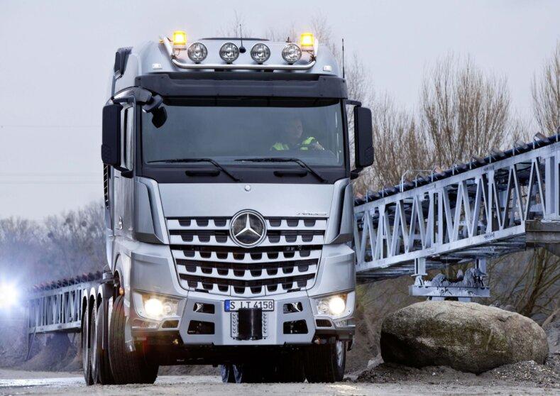 HeavyTorque Issue 1 - Mercedesbenz Slt