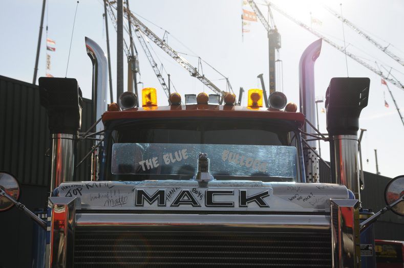 HeavyTorque Issue Five: Mack Special Transport Day