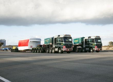 Bolk Transport BV choose Arocs 4163 SLT tractor units