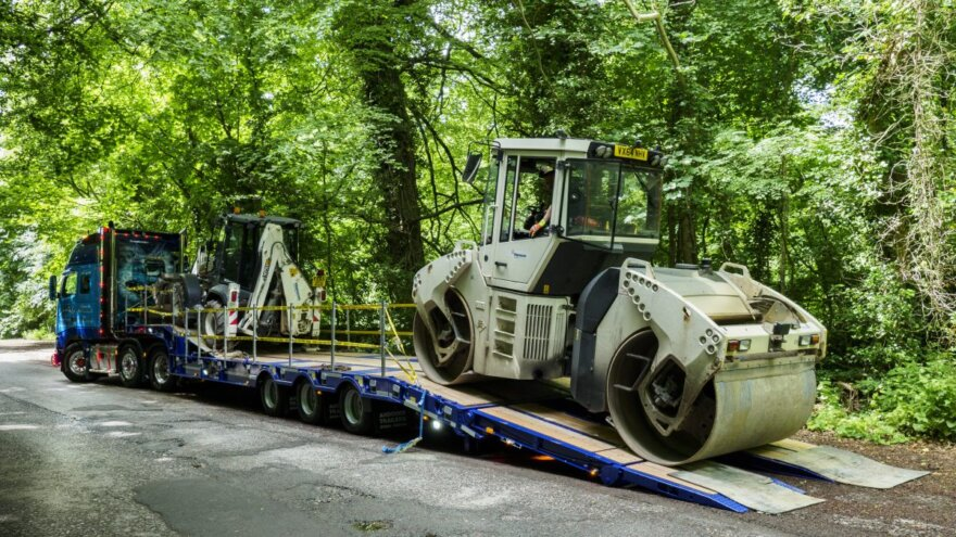 AJ Brunt Ltd's New Step Frame from Andover Trailers