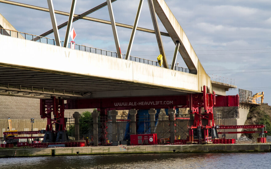 ALE Mega Jack Performs First European Lift