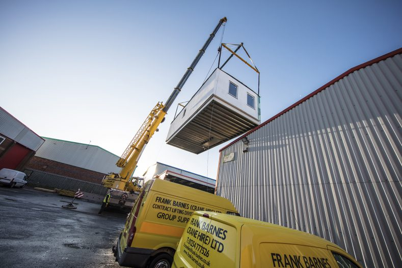 Frank Barnes Crane Hire & Contract Lift