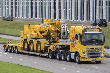 Herpertz NL Transport Exceptionnel Volvo & Crane