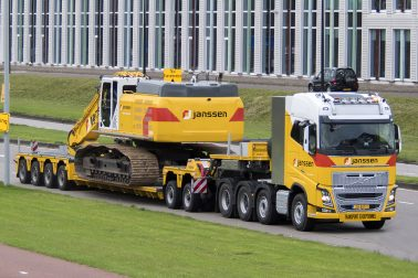 Mack Day Janssen Transport Exceptionnel