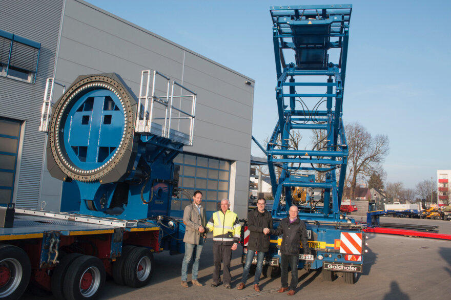 Goldhofer Tip Lifting Devices for Adams Group