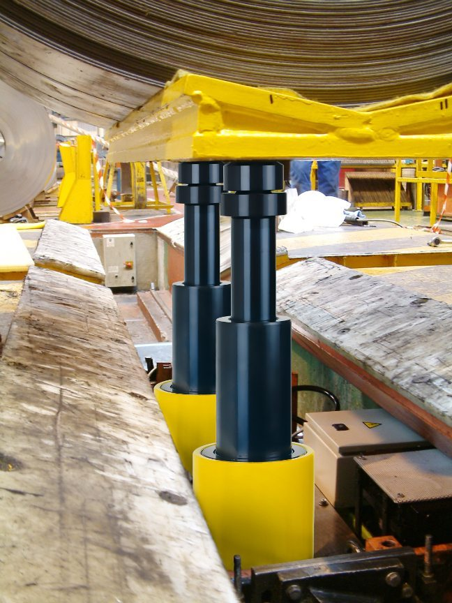 Higher Lifts with Enerpac Telescopic Cylinders