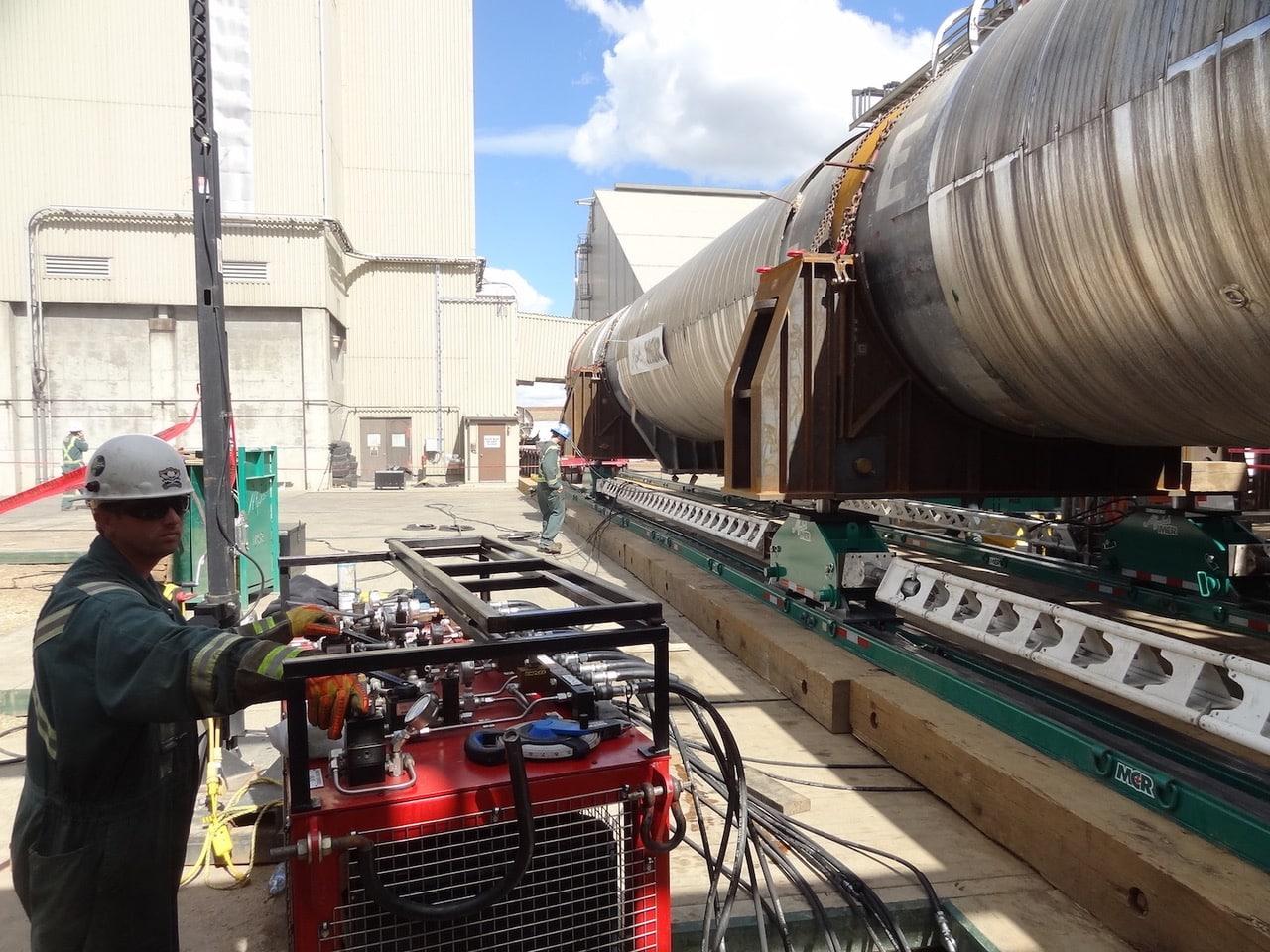 Myshak Crane & Rigging Utilize Hydra-Slide