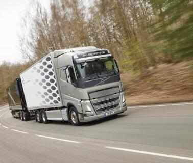 HeavyTorque Issue Twenty Seven: Volvo 25.25 trials